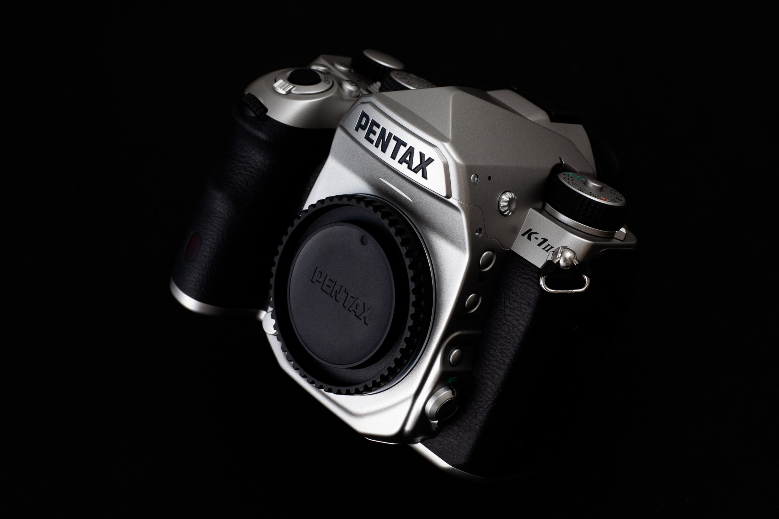 【PENTAX】K-1 Mark II Silver Edition 外観プレビュー