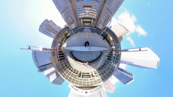 【RICOH】THETA Z1で見る昼の都庁