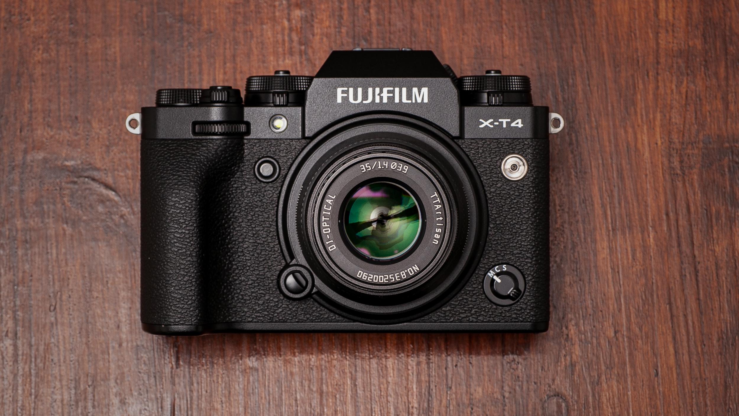 【FUJIFILM】X-T4で使う『銘匠光学 (めいしょうこうがく) TTArtisan 35mm F1.4 C 』