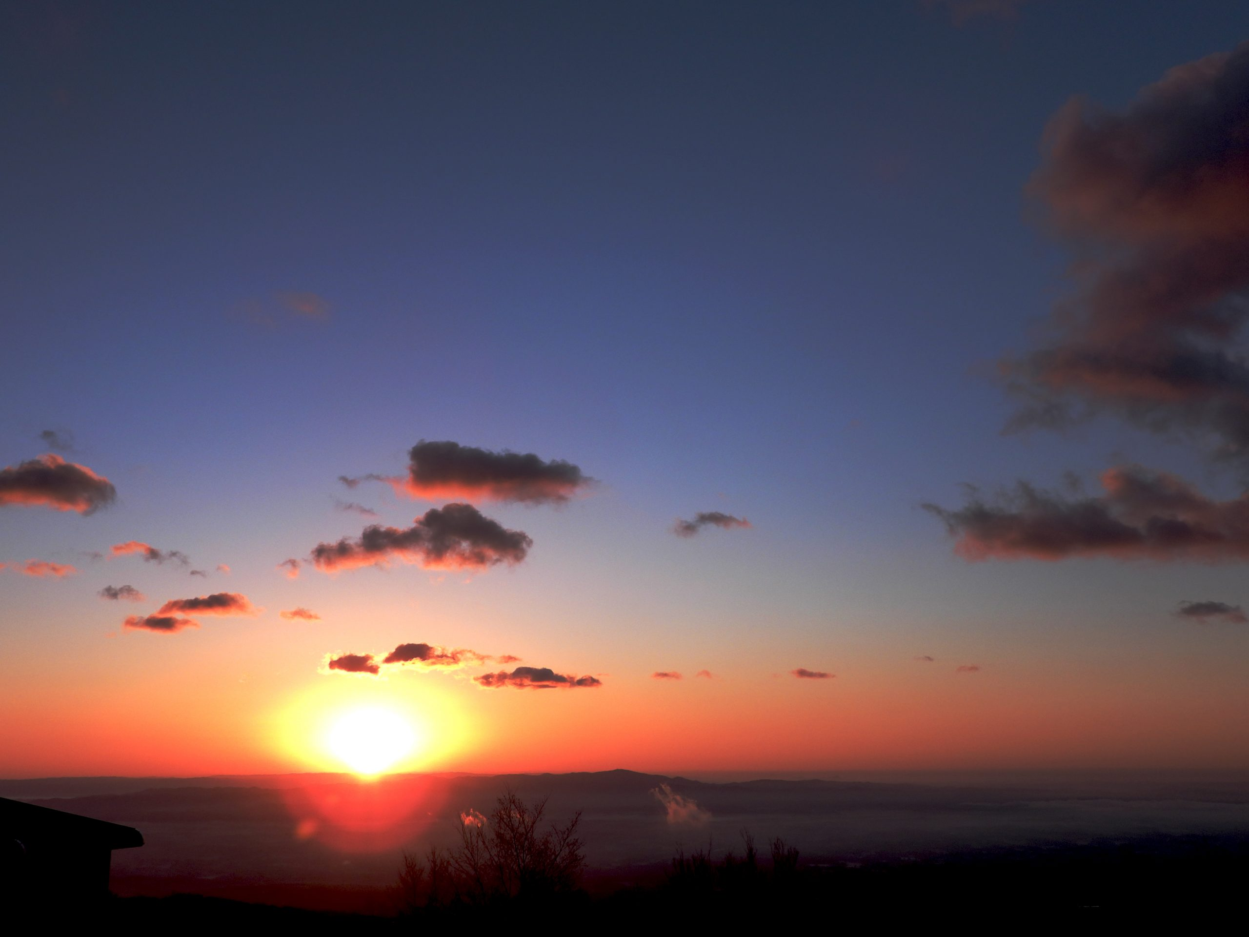 【Nikon】COOLPIX P1000で日の出を撮る