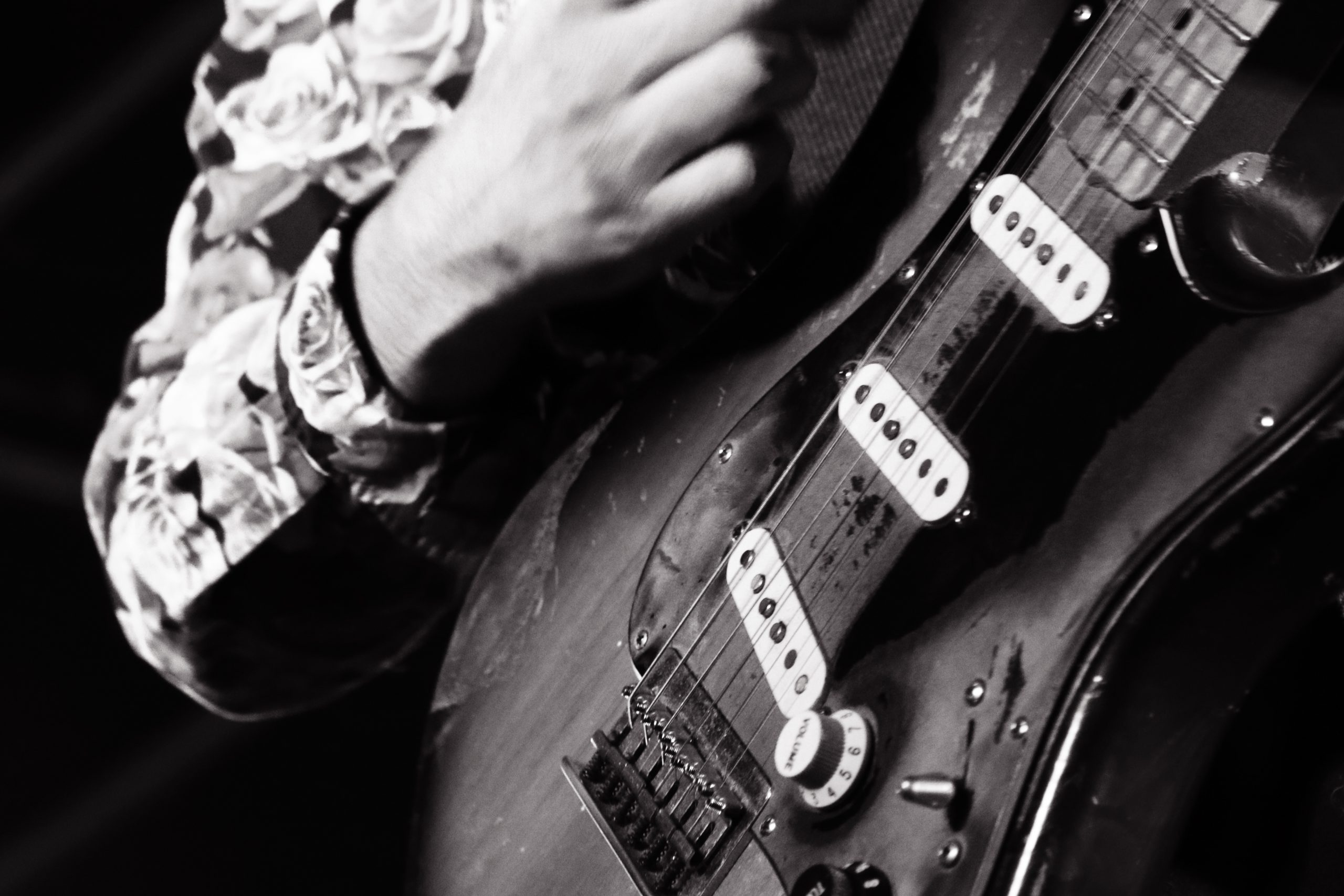 【Canon】音楽とモノクロ写真
