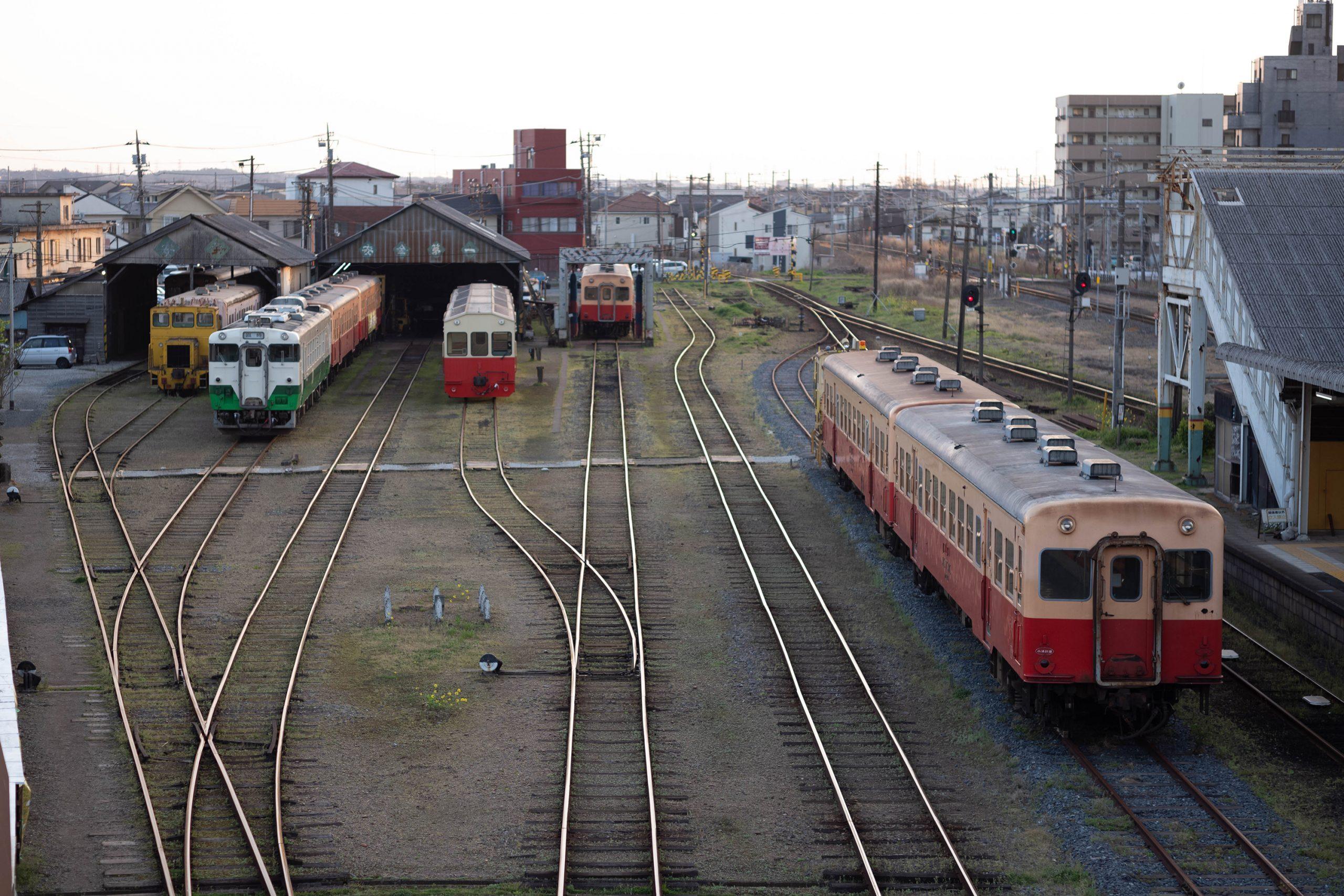 五井駅の車庫に停まるキハ40形