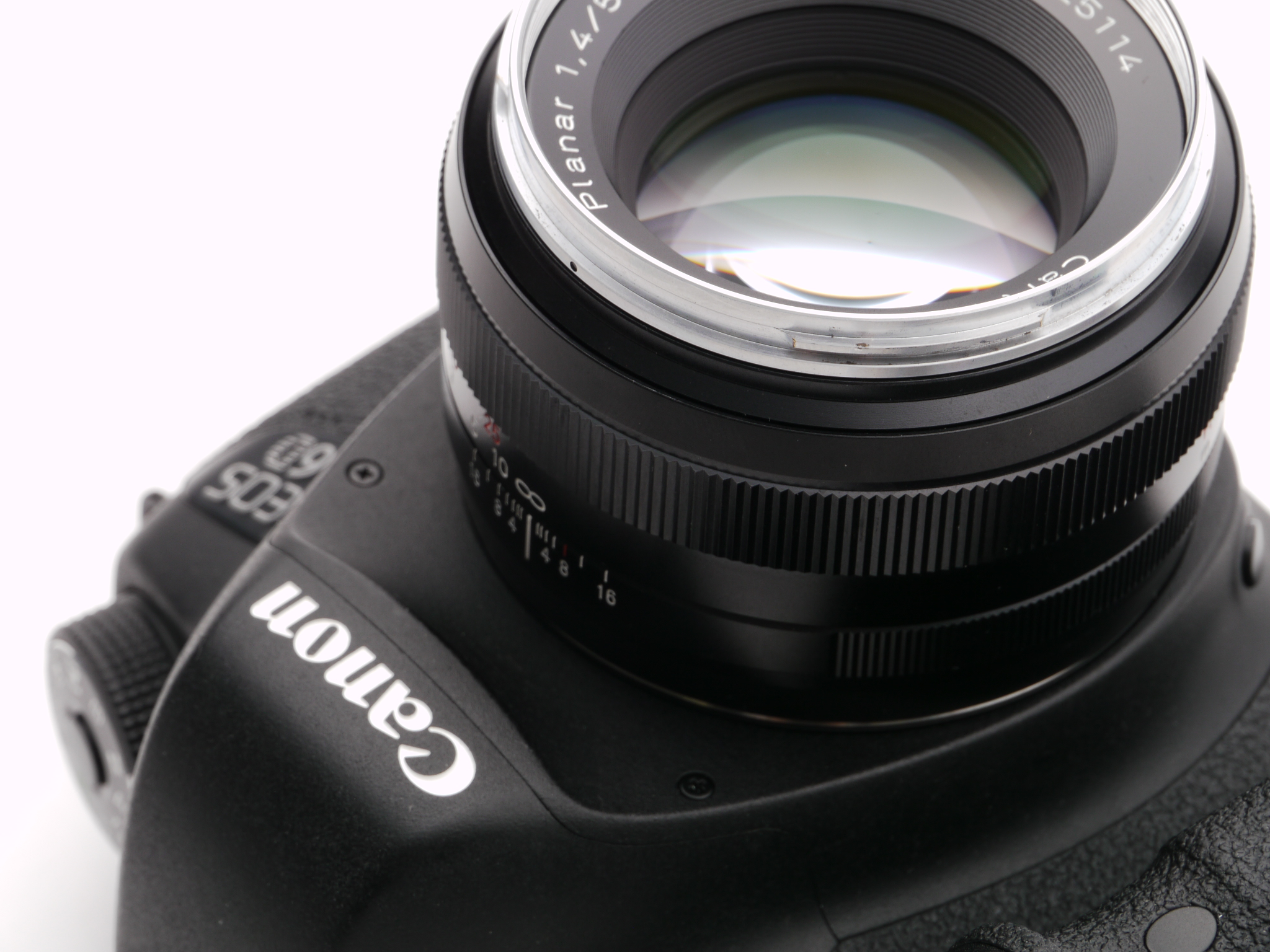 Canon EOS 6D + Carl Zeiss Planar T*50mm F1.4 ZE