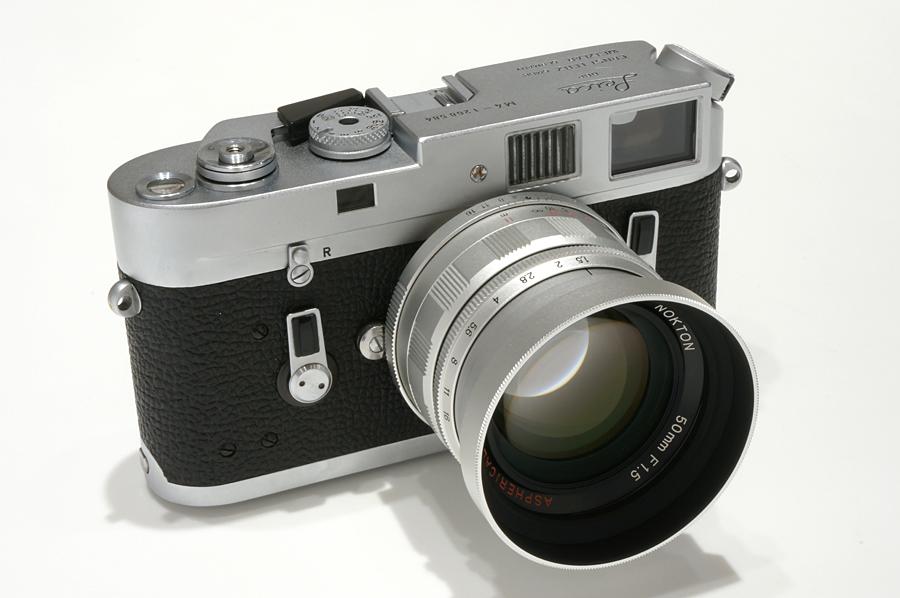 Leica M4 + Voigtlander Nokton 50mm F1.5 Aspherical シルバー+ M/L変換リング