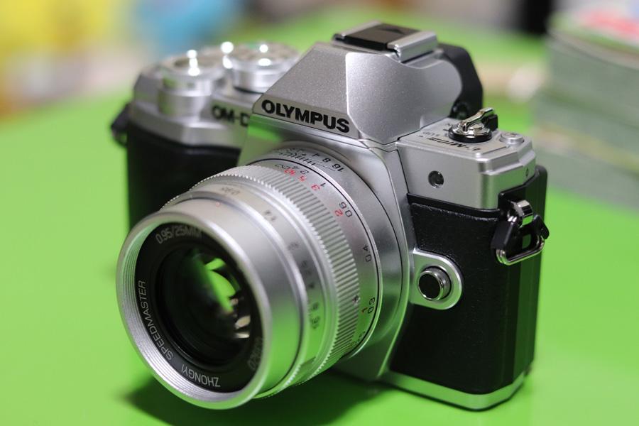 OLYMPUS OM-D E-M10 MarkIII+中一光学 SPEEDMASTER 25mm F0.95(マイクロフォーサーズ用)