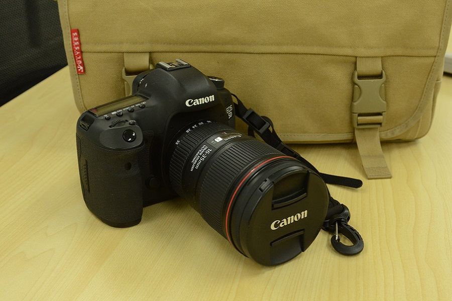 Canon EOS 5D Mark III + Canon EF16-35mm F4L IS USM