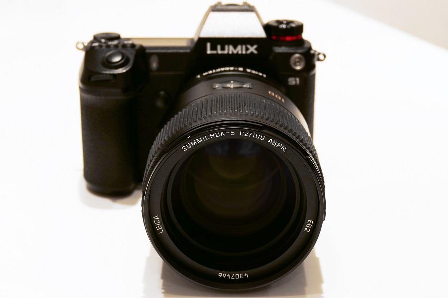 LUMIX S-1