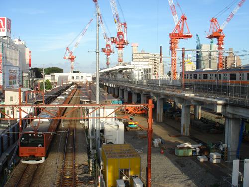 武蔵小金井駅にて
