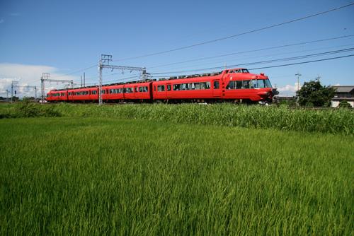 木曽川堤駅付近にて