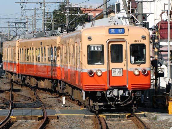 金町線柴又駅にて復刻カラー3200系