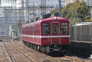 通常1000系(川崎大師駅にて)