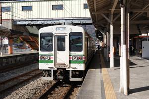 高崎〜横川間を走る2両編成の電車