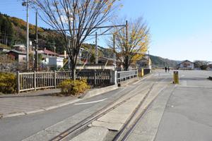 横川駅前の広場