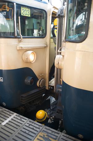 外房線と新聞輸送列車との連結作業2
