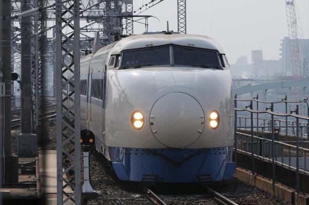 広島駅に入線する0系新幹線(こだま629号)