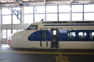 広島駅に停車する0系新幹線(こだま629号)1