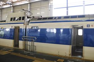 広島駅に停車する0系新幹線(こだま629号)2