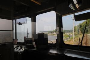 運転席越しに見る宍道湖