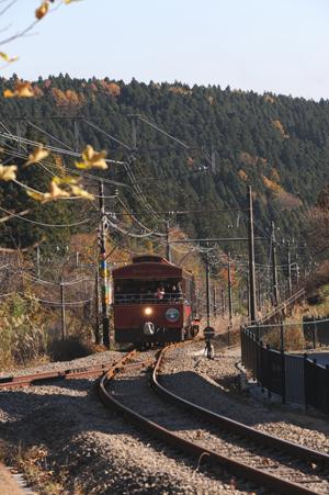 碓氷峠を登るトロッコ列車