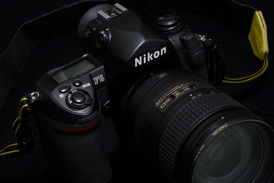 Nikon F6 +AF-S 28-300mm