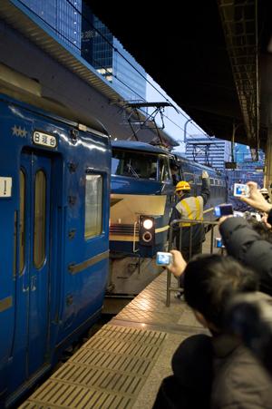 電気機関車の連結作業