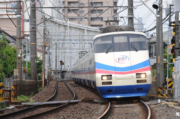 京成スカイライナー 使用機材:Nikon D700+AF-S ED80-200mmF2.8D