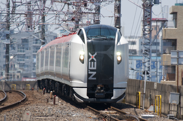 市川駅を通過する新N'EX 使用機材:Nikon D700+AF-S ED80-200mmF2.8D+TC-17EII