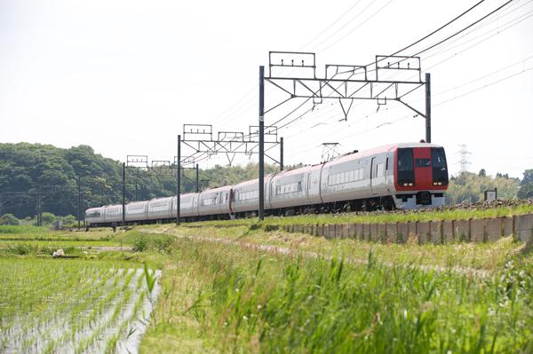 物井〜佐倉間を走るN'EX253系