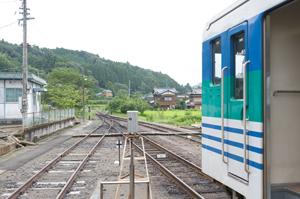 上総亀山駅の先