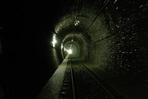 トンネル内部
