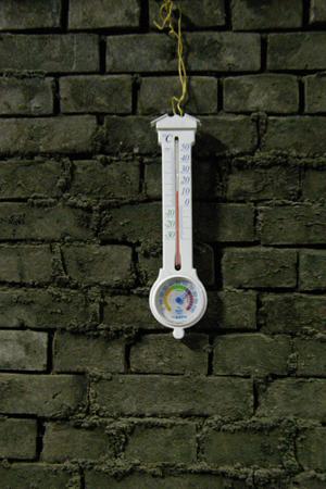 14℃指す温度計