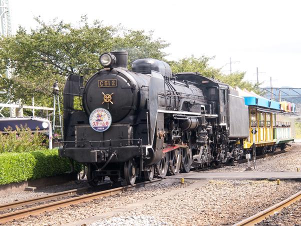 館内を走るイベント列車「スチーム号」