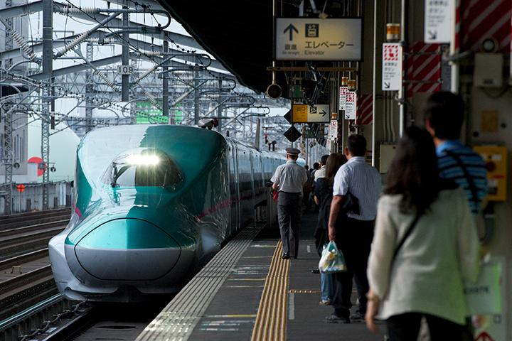 「なすの」運用のE5系(宇都宮駅にて)