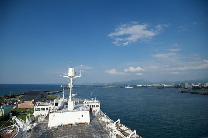 煙突展望台から望む青森湾