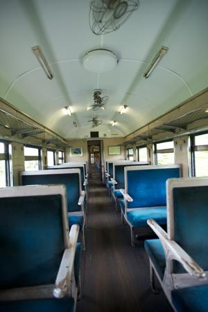 化粧仕立ての旧型客車