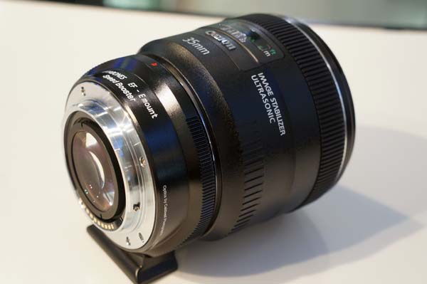 「SPEED BOOSTER」に「Canon EF35mm F2 IS USM」を装着