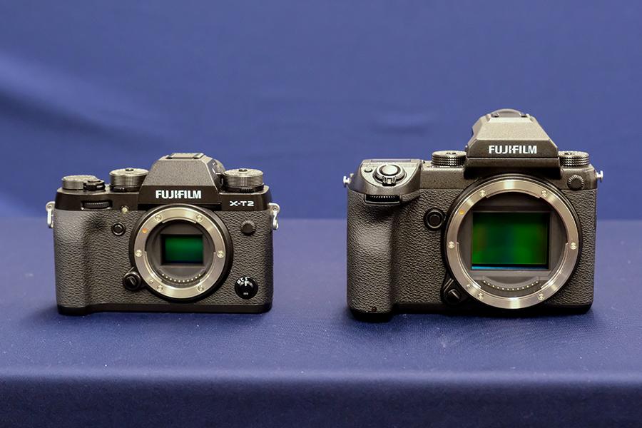 FUJIFILM GFX 50S X-T2との大きさ比較