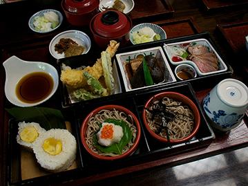 豪華な昼食