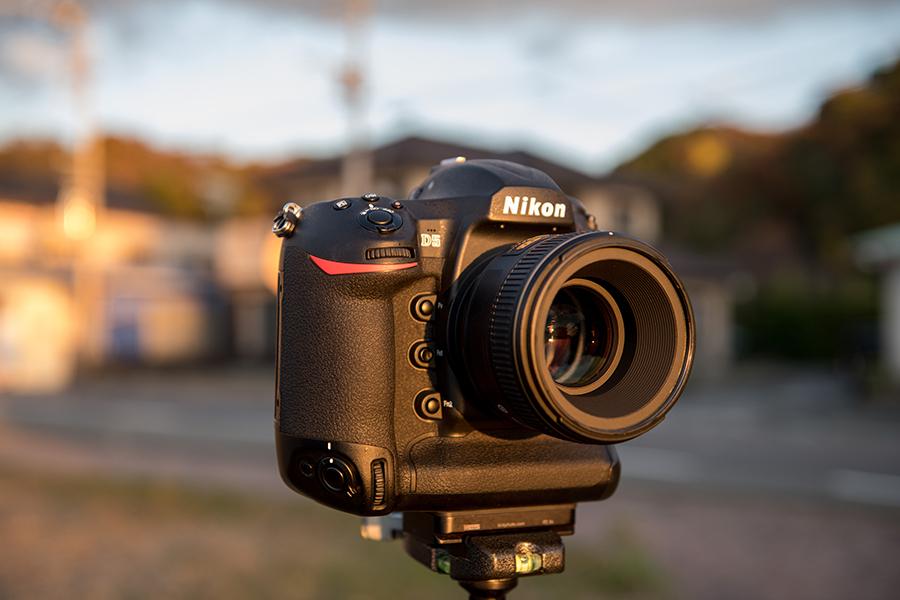 Nikon (ニコン) D5 ボディ+AF-S NIKKOR 58mm F1.4G