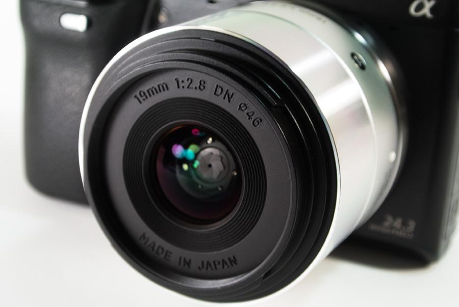 19mm F2.8 DN