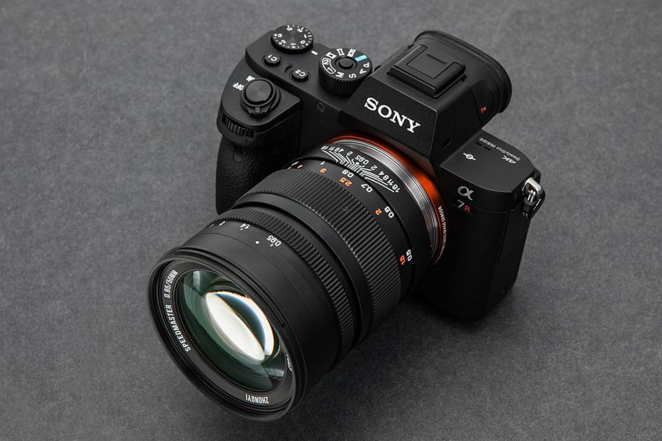 中一光学 SPEEDMASTER 50mm F0.95 M67(ソニーE用/フルサイズ対応)