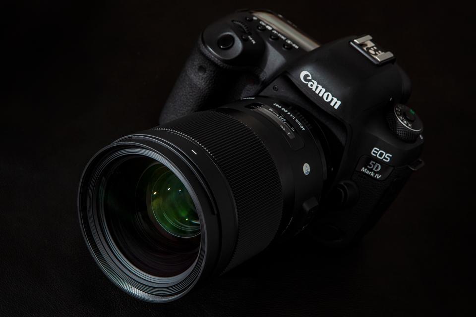 SIGMA (シグマ) Art 40mm F1.4 DG HSM