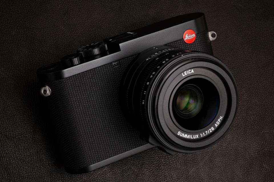 Leica (ライカ) Q2